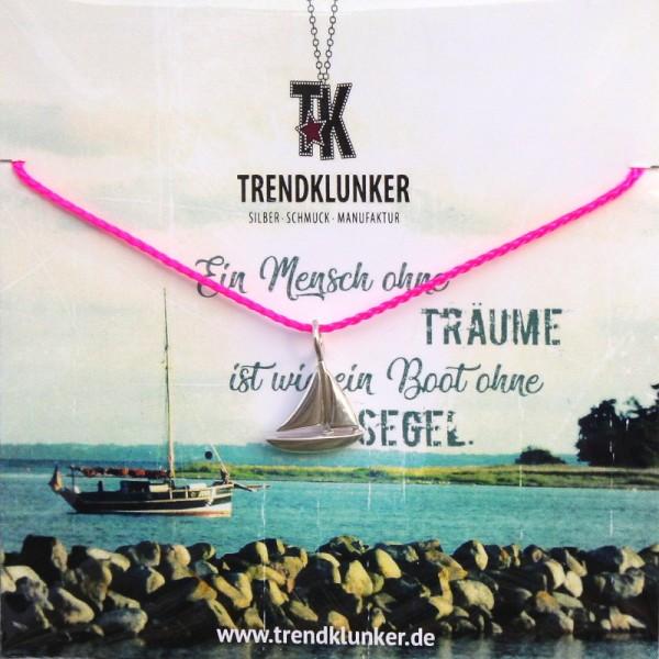 hochwertige Geschenkkarte mit Spruch und passender Garnkette mit Segelboot aus Silber