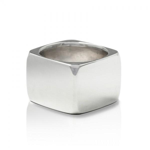 Eckiger Silber Ring - schlicht, stylisch, lässig, handgemacht und ideal passend für jedes Outfit!