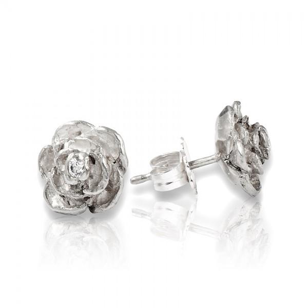 Unsere Ohrstecker mit Rose aus Silber sind der perfekte Schmuck Begleiter für dein Business Outfit!