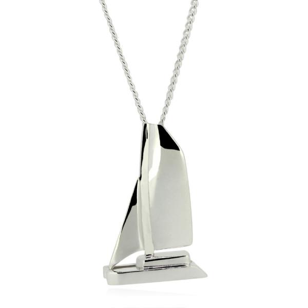 wunderschoener maritimer Kettenanhaenger Katamaran aus Silber mit Silberkette fuer den Fan von den schnellen Booten
